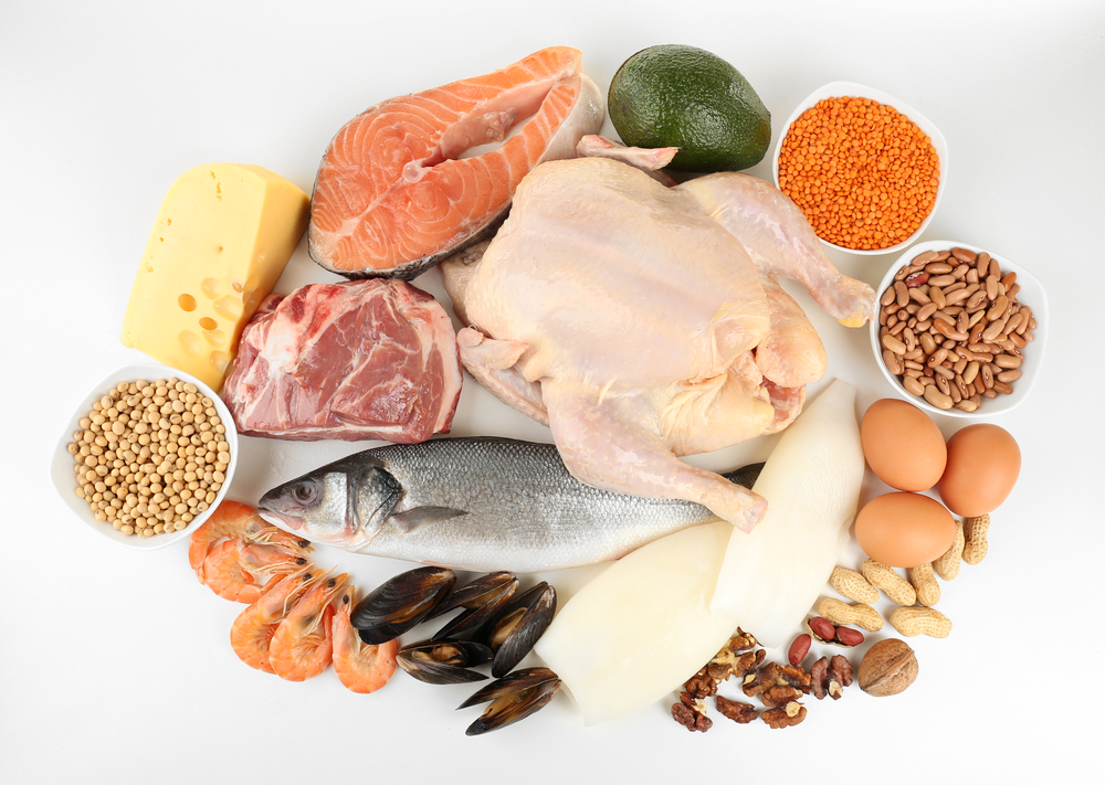 How much protein do you need each day for Does fish have protein